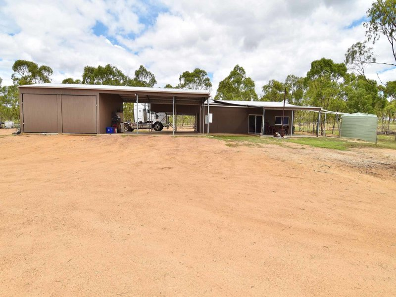 104 Picnic Creek Road, Broughton, Qld 4820