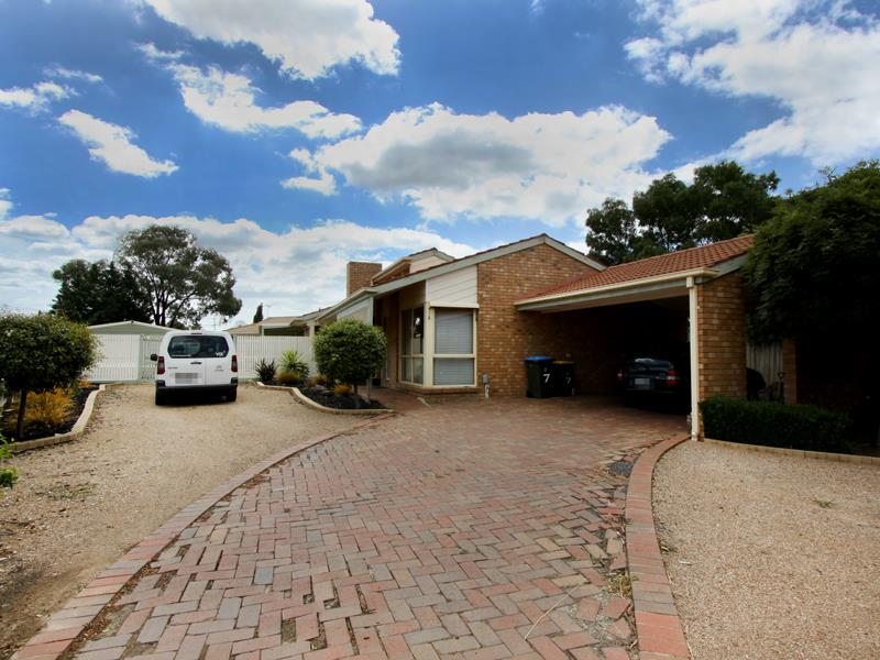 7 Hayes Court, Hoppers Crossing, Vic 3029