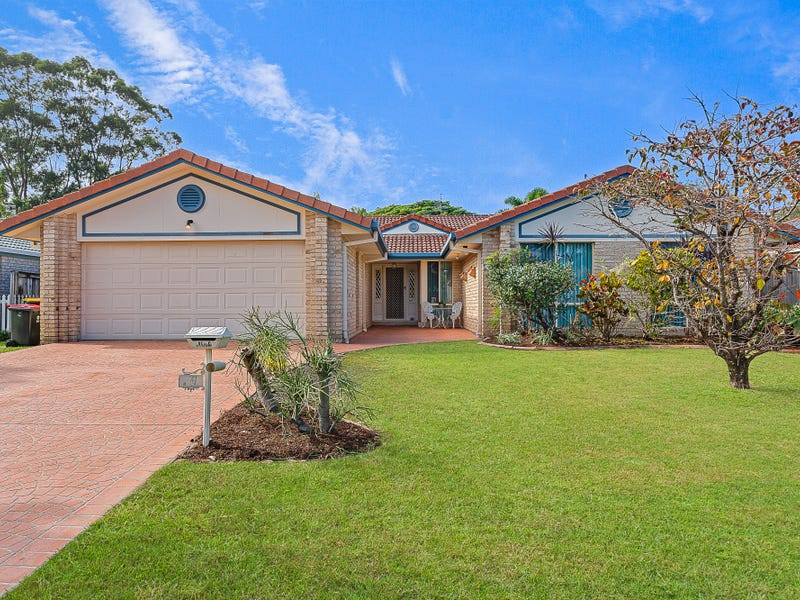 26 Riversdale Boulevard, Banora Point, NSW 2486