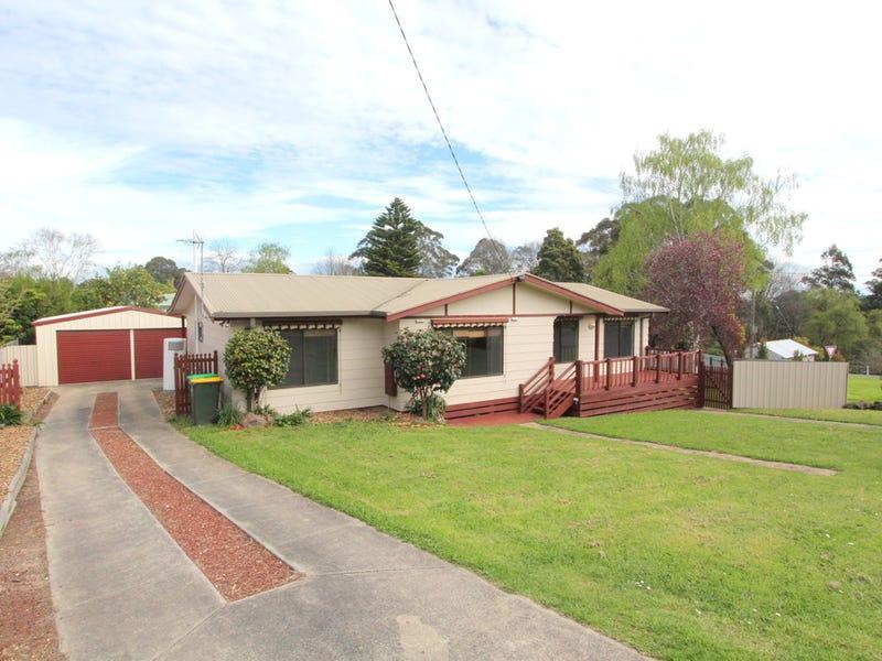 2 Scarlett Street, Mirboo North, Vic 3871
