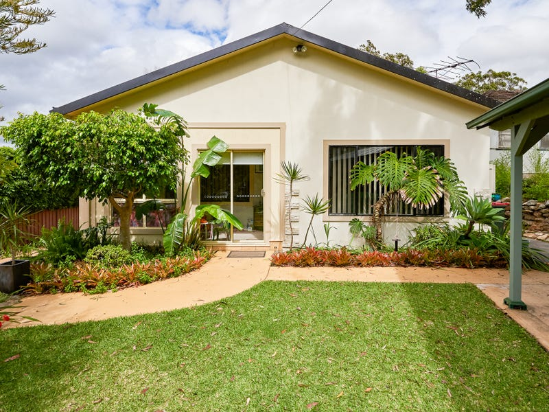107 St George Crescent, Sandy Point, NSW 2172