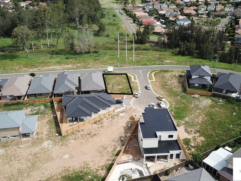 46 Rosedale Circuit, Carnes Hill, NSW 2171