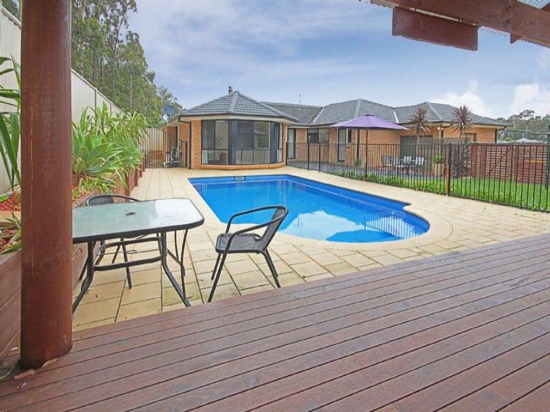 11 Leichhardt Place, Sunshine Bay, NSW 2536