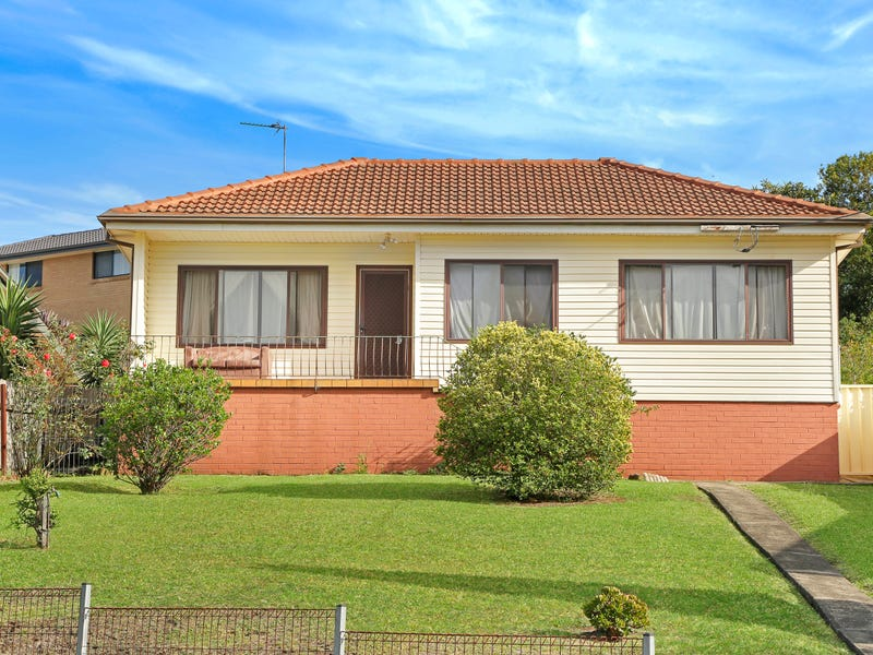 4 Ranchby Avenue, Lake Heights, NSW 2502
