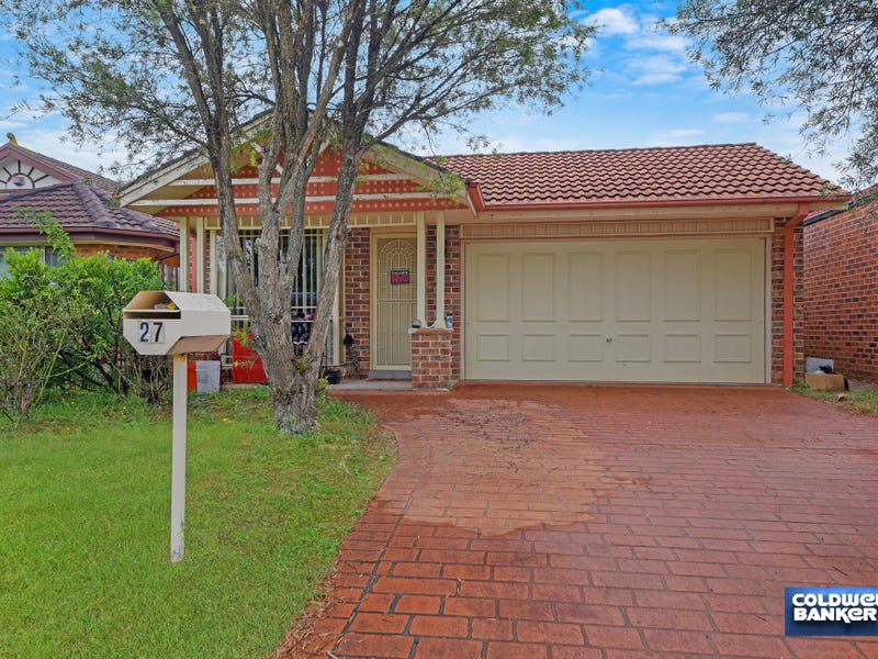 27 Beltana Court, Wattle Grove, NSW 2173