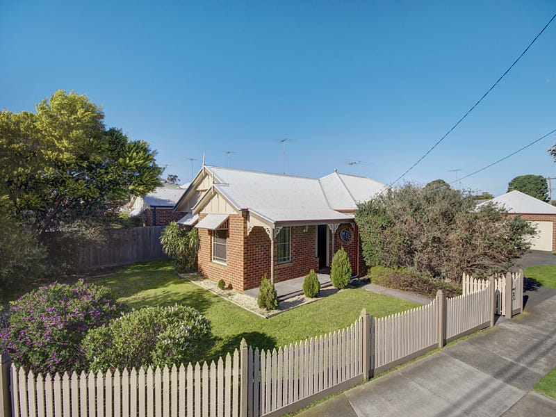 121 St Albans Road, Thomson, Vic 3219