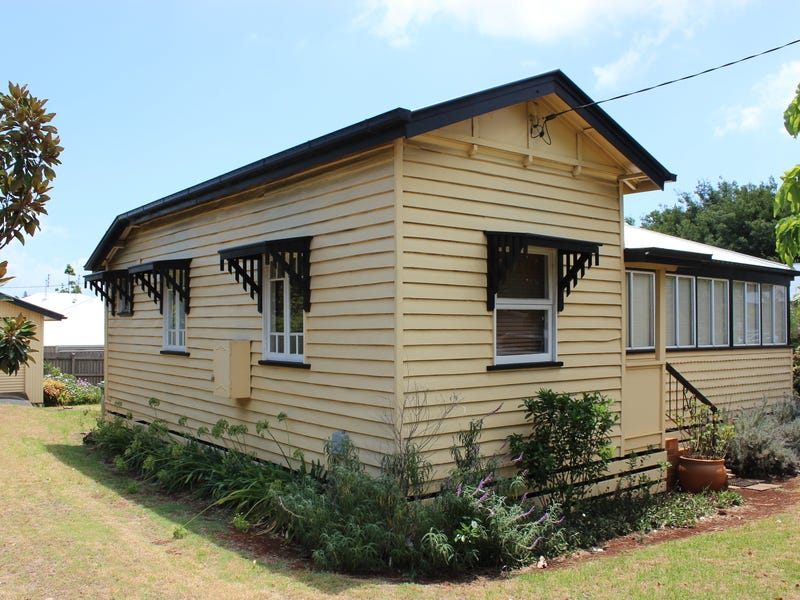 705 Ruthven Street, South Toowoomba, Qld 4350