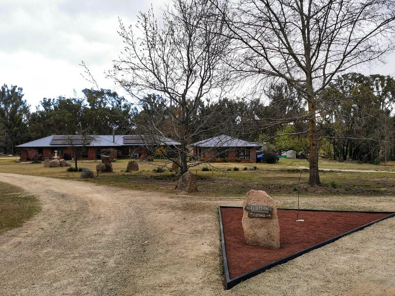 214 Caves Rd, Stanthorpe, Qld 4380