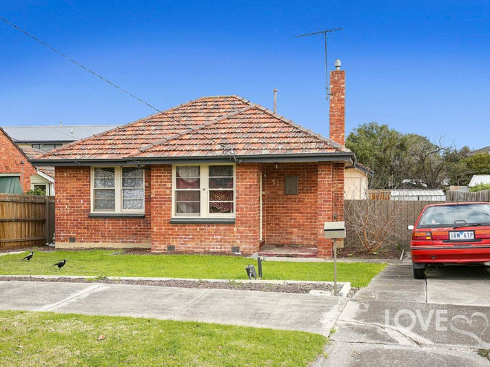 15 Moore Crescent, Reservoir, Vic 3073