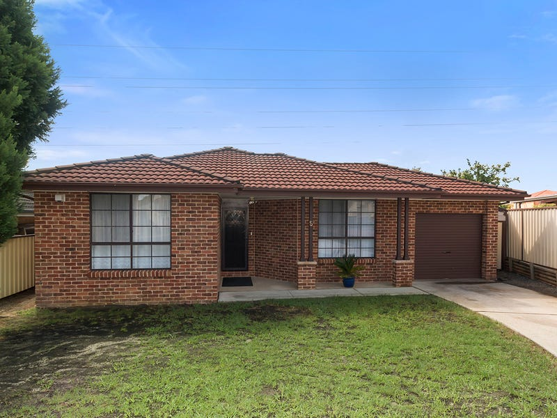 5 Carina Avenue, Hinchinbrook, NSW 2168