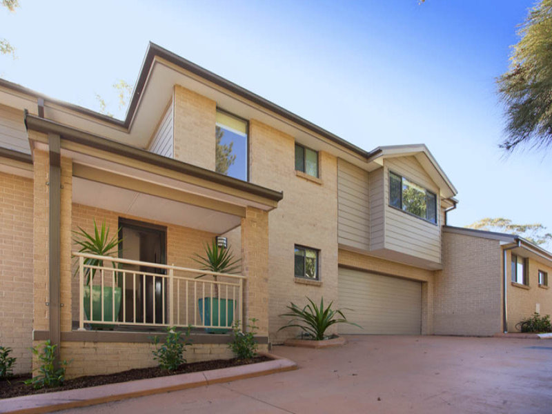 1/755 Henry Lawson Drive, Picnic Point, NSW 2213