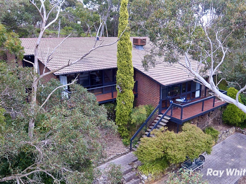 110 Emmett Road, Crafers West, SA 5152