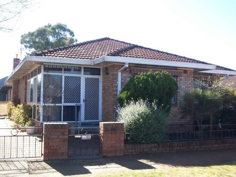 16 Gundagai Road, Cootamundra, NSW 2590