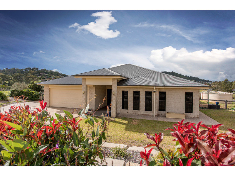 5 Northerly Drive, Hodgson Vale, Qld 4352