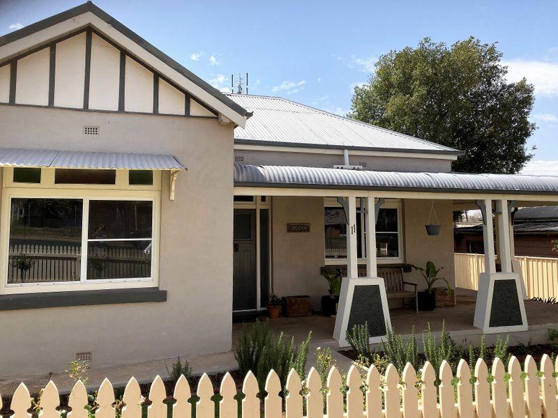11 WARD STREET, Parkes, NSW 2870
