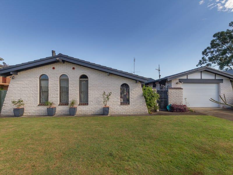 12 Cape Street, Tuncurry, NSW 2428