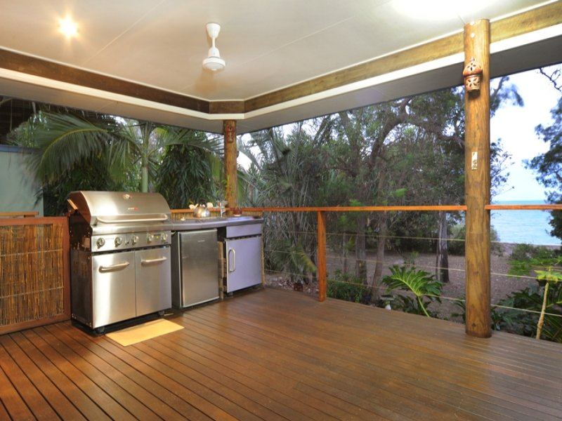 42 Gloucester Avenue, Hideaway Bay, Qld 4800