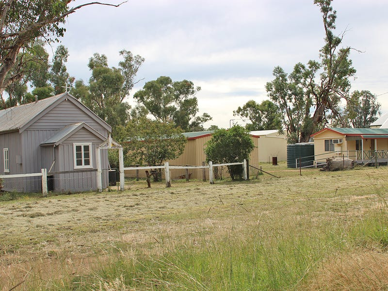 2401 PURLEWAUGH ROAD, Purlewaugh, NSW 2357