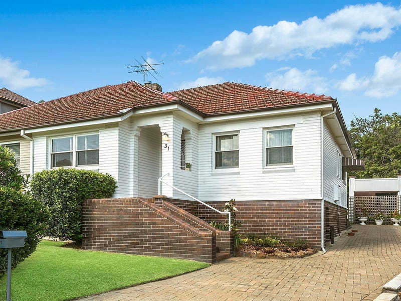 31 Russell Street, Denistone East, NSW 2112