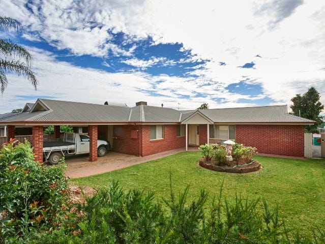 19 Bristol Street, Collingullie, NSW 2650