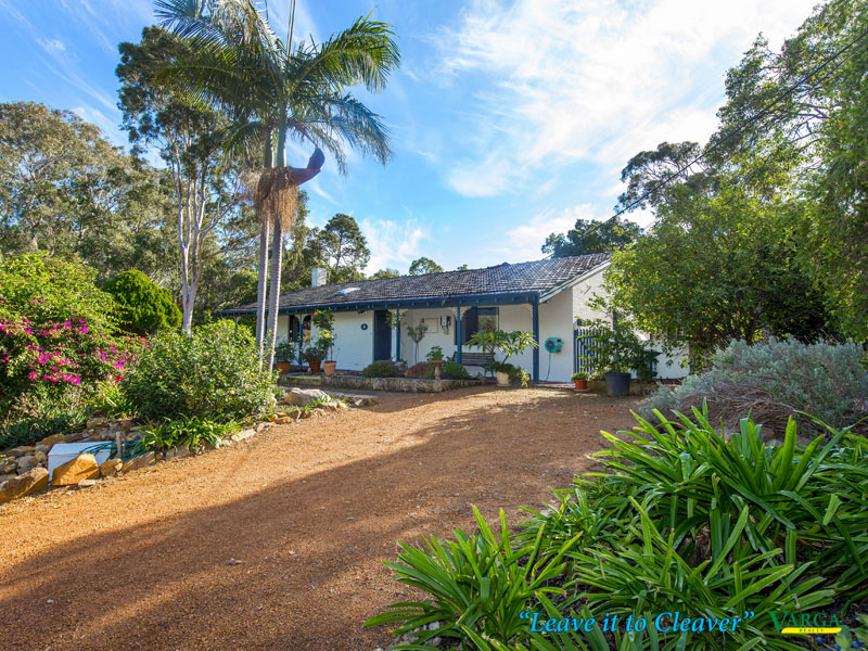 4 Canns Road, Mount Nasura, WA 6112