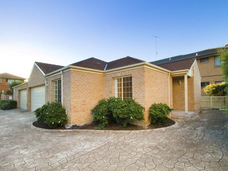 2/11 Matthews  St, Wollongong, NSW 2520