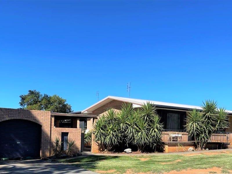 11 Hodges Street, Parkes, NSW 2870