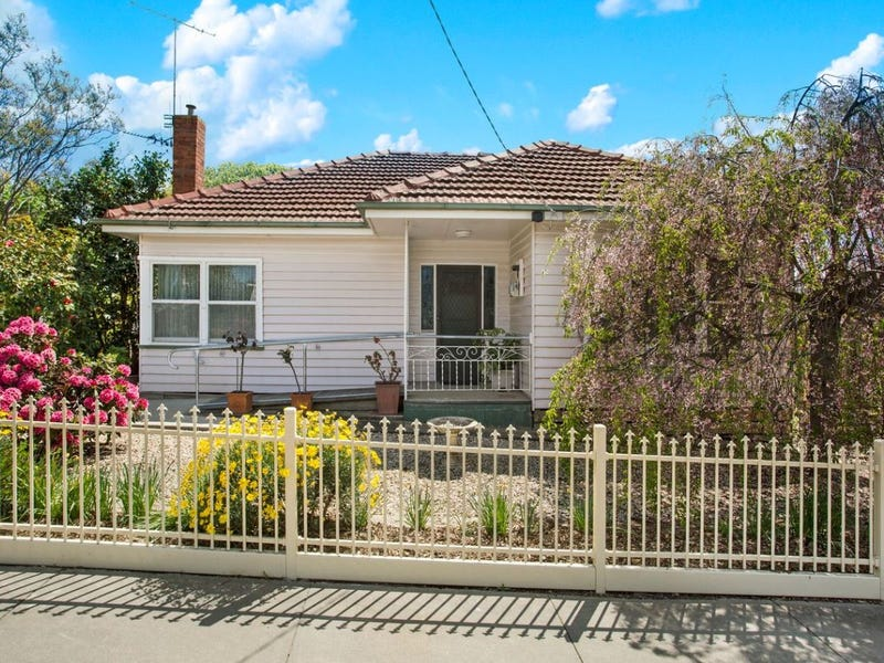 12 Weatherall Street, California Gully, Vic 3556