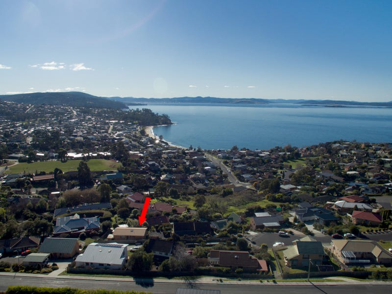 15 Clearwater Court, Blackmans Bay, Tas 7052