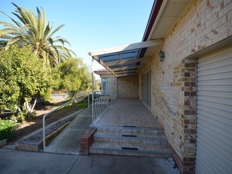 11 Gilbert Avenue, Pinnaroo, SA 5304