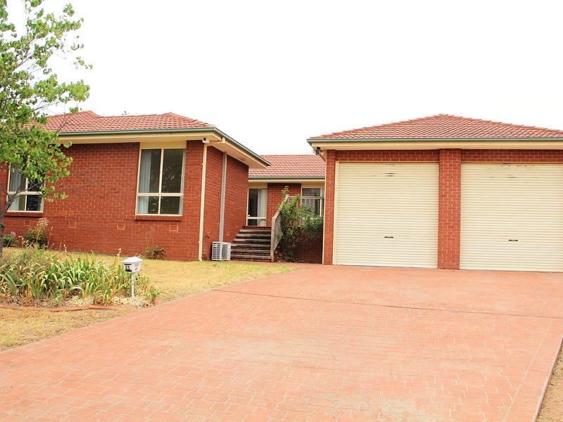 33 Maclaurin Crescent, Chifley, ACT 2606
