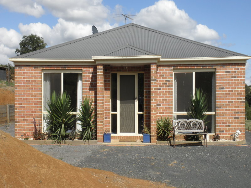 4 Chitalwood Court, Nilma, Vic 3821