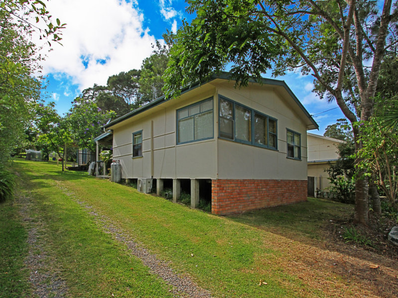 8 Village Road, South Durras, NSW 2536