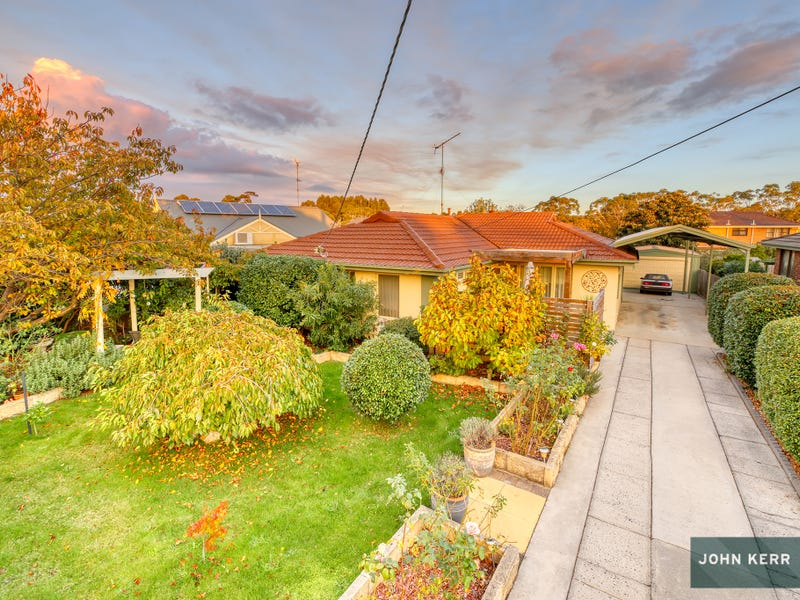 21 Tresswell Avenue, Newborough, Vic 3825