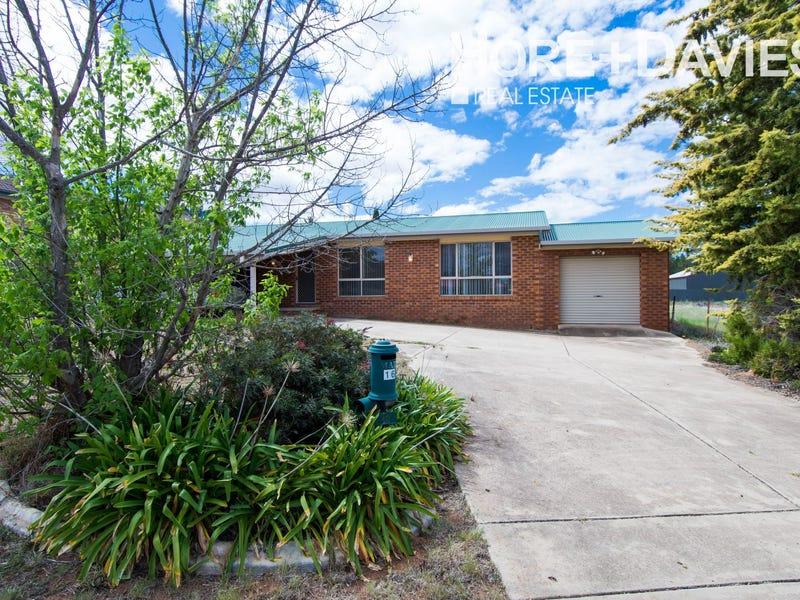 16 Kindra Crescent, Coolamon, NSW 2701