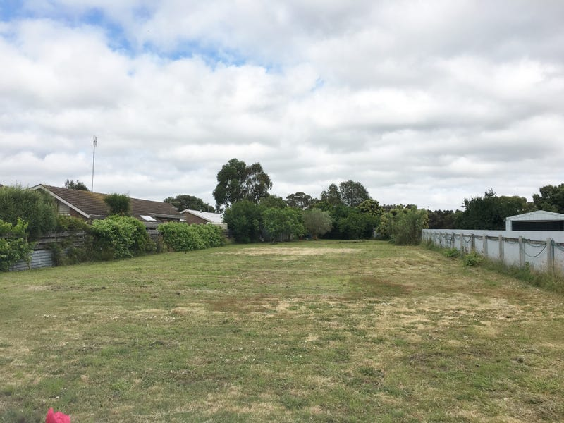 11 Ross St, Colac, Vic 3250