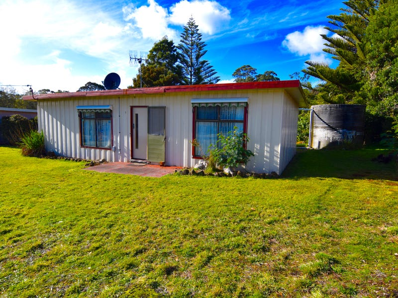1 Stockdale Avenue, Sisters Beach, Tas 7321