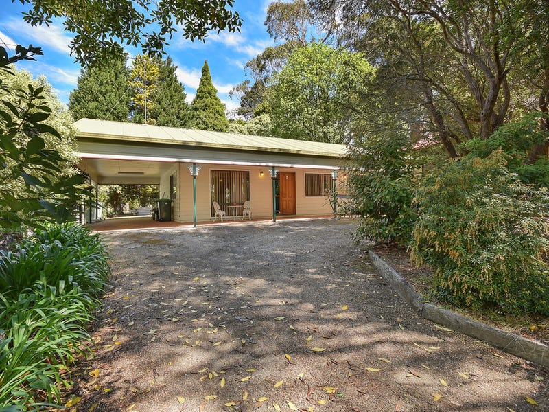 34 Fletcher Street, Wentworth Falls, NSW 2782