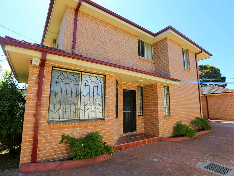 1/81 Cardigan Road, Greenacre, NSW 2190