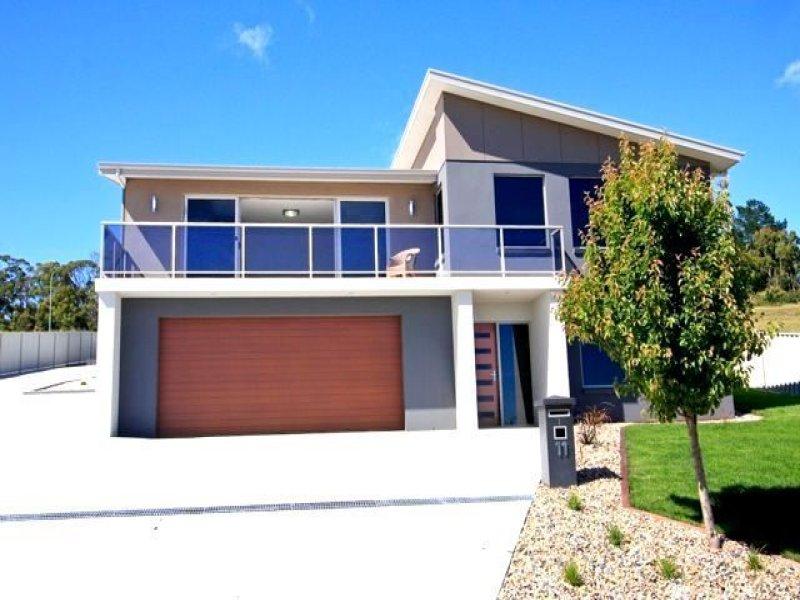 1/11 McCall Terrace, Devonport, Tas 7310