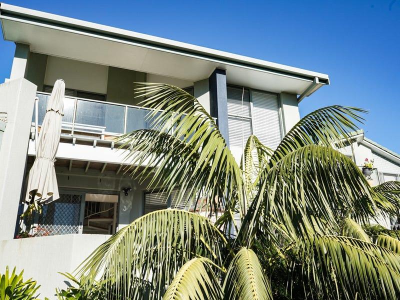 3/1649 Ocean Drive, Lake Cathie, NSW 2445