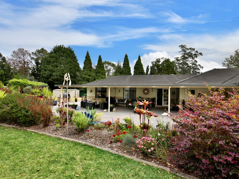 1 Tartarian Crescent, Bomaderry, NSW 2541