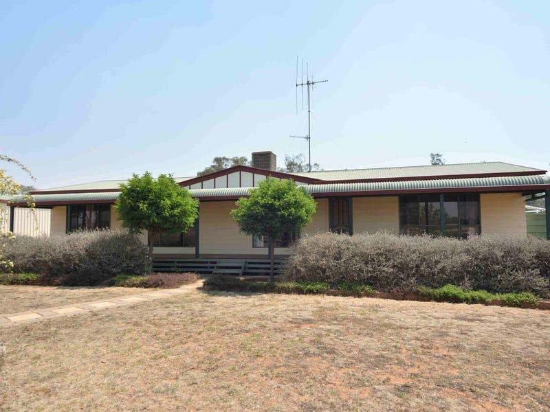 21 Booroo Lane, Parkes, NSW 2870