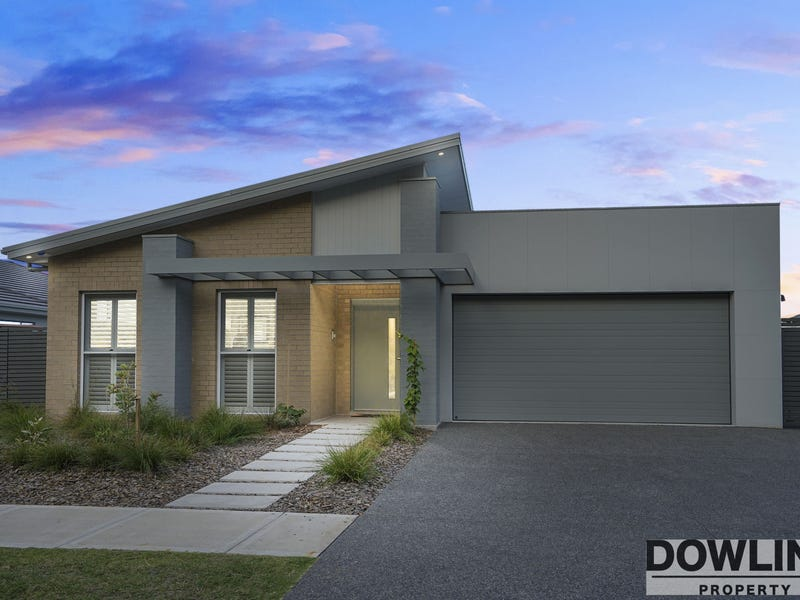 17 Dune Drive, Fern Bay, NSW 2295