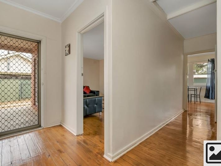 15 Lindsay Street, Elizabeth Downs, SA 5113