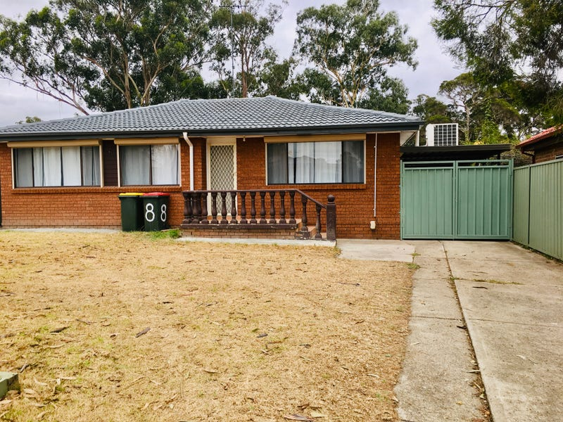 8 Hoyle Drive, Dean Park, NSW 2761