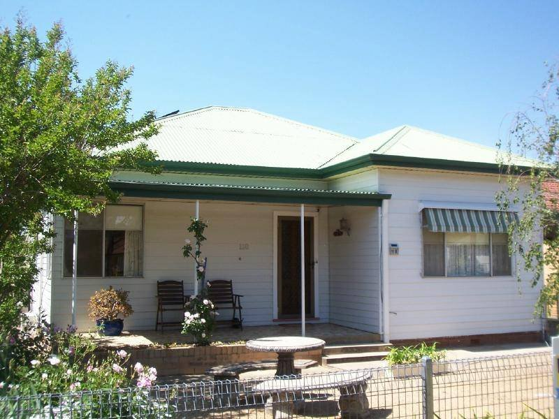 118 Thompson Street, Cootamundra, NSW 2590