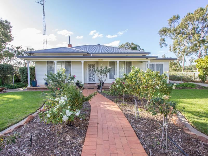 95 Pine Hill Road, Narrandera, NSW 2700