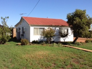 130-132 Erskine Road, Griffith, NSW 2680