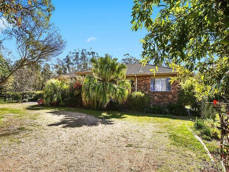 2 Warner Avenue, Wadalba, NSW 2259